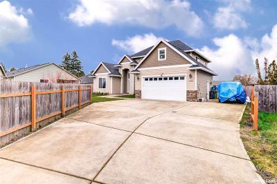 Woodburn Single Family Home For Sale: 1462 Cooley Ct