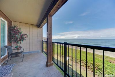 Lincoln City Condo/Townhouse For Sale: 325 NW Lancer St #22