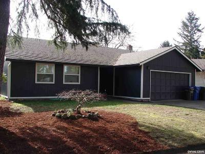 Keizer Single Family Home For Sale: 7015 Nottingham Dr