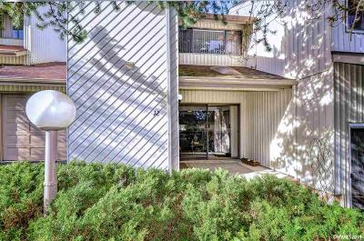 Dallas Condo/Townhouse Active Under Contract: 1450 SW Bridlewood (Apt #12) Dr