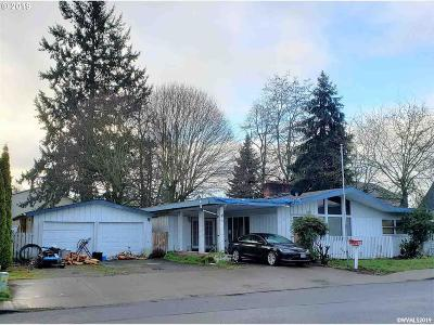 Canby Single Family Home Active Under Contract: 333 SE 2nd Av