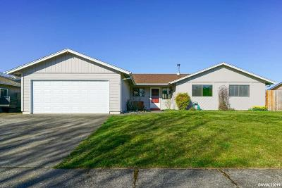 Keizer Single Family Home For Sale: 6765 Pierce Ct