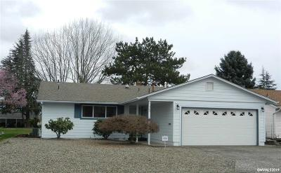Woodburn Single Family Home For Sale: 560 S Columbia Dr