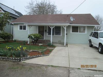 Woodburn Single Family Home For Sale: 547 Fir St