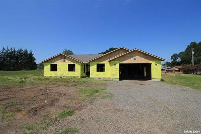 Aumsville Single Family Home For Sale: 8829 Holmquist Rd