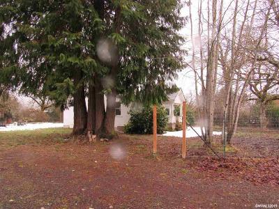 Mill City Single Family Home Active Under Contract: 512 SE Kingwood (Parcel #1 & 2) Av