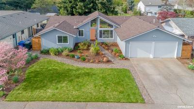 Salem Single Family Home For Sale: 409 Innsbrook Ct