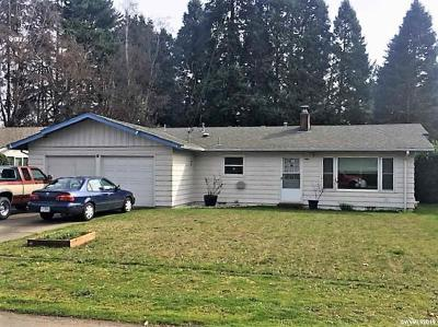 Keizer Single Family Home Active Under Contract: 424 Juedes Av