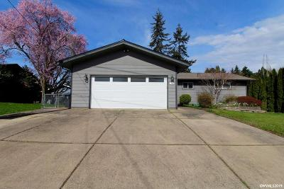 Woodburn Single Family Home Active Under Contract: 841 Stark St