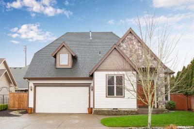 Woodburn Single Family Home For Sale: 764 Hazelnut Dr