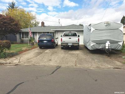 Salem Single Family Home For Sale: 4729 Indiana Av