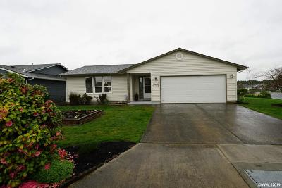 Woodburn Single Family Home For Sale: 1303 Vanderbeck Ln