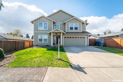 Keizer Single Family Home For Sale: 1328 Juniper St
