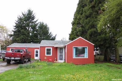 Albany Single Family Home For Sale: 3480 Bernard Av