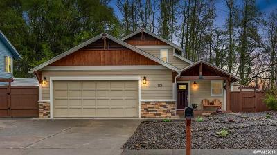 Albany Single Family Home Active Under Contract: 826 38th Av