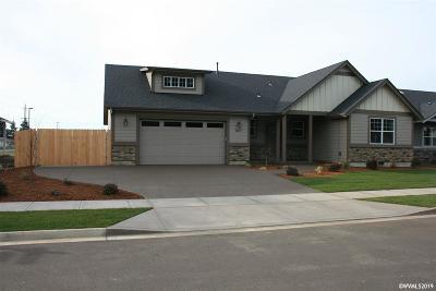 Stayton Single Family Home For Sale: 2097 Deer Av