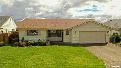 Woodburn Single Family Home For Sale: 2016 Camellia Wy