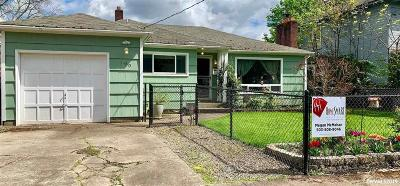 Salem Single Family Home For Sale: 190 23rd St