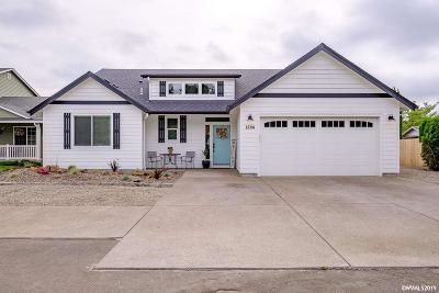 Woodburn Single Family Home For Sale: 1224 Park Av