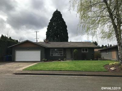 Keizer Single Family Home Active Under Contract: 770 Evans St