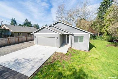 Stayton Single Family Home For Sale: 679 W High St