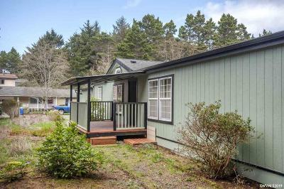 Lincoln City Manufactured Home For Sale: 955 SE 31st St