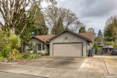 Salem Single Family Home Active Under Contract: 4327 Columbine Ct