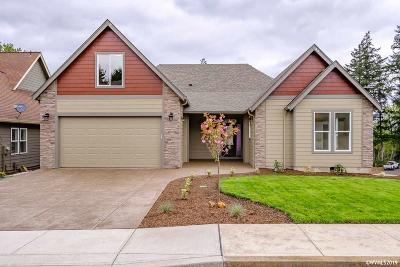 Salem Single Family Home For Sale: 2075 Celeen Av