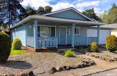 Salem Single Family Home For Sale: 921 Genie St