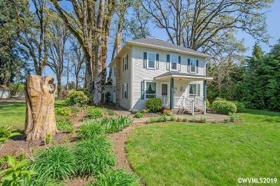Dallas Single Family Home For Sale: 1330 E Ellendale Av
