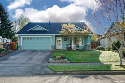 Stayton Single Family Home Active Under Contract: 2134 Summerview Dr