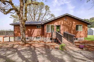 Lebanon Single Family Home For Sale: 38606 Golden Valley Dr