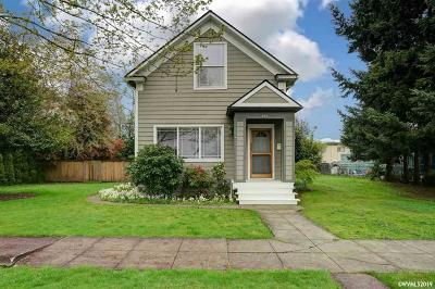 Salem Single Family Home For Sale: 493 19th St