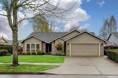 Keizer Single Family Home For Sale: 889 Parkmeadow Dr