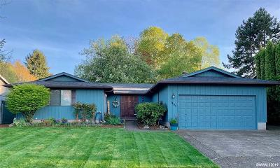 Keizer Single Family Home Active Under Contract: 1466 Jodelle Ct