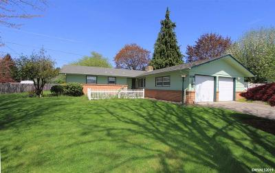 Keizer Single Family Home Active Under Contract: 1109 Manzanita St