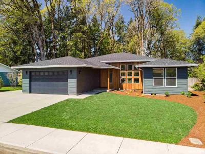 Monmouth Single Family Home Active Under Contract: 920 Caroline Wy