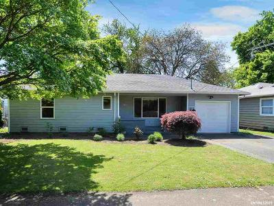 Woodburn Single Family Home For Sale: 860 High St
