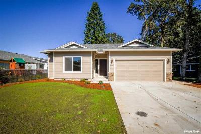 Dallas Single Family Home For Sale: 950 SW Bryson St
