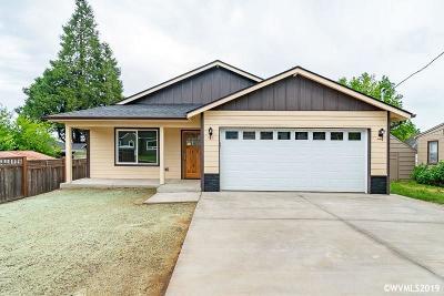 Dallas Single Family Home For Sale: 1434 SW 9th St