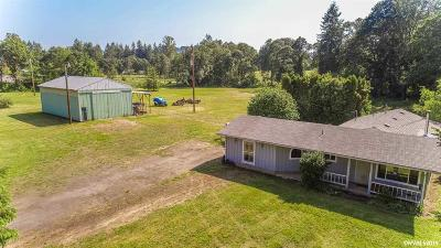 Sweet Home Single Family Home Active Under Contract: 29030 Santiam Hwy