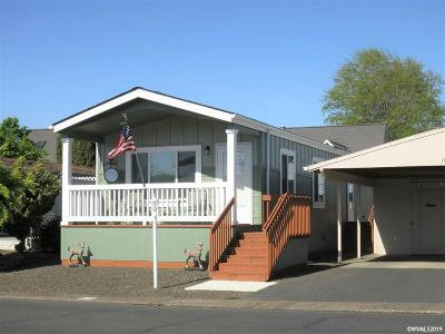 Dallas Manufactured Home Active Under Contract: 450 SE Lacreole (#121) Dr #121