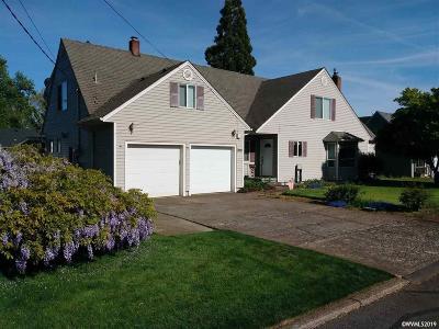 Dallas Single Family Home For Sale: 852 SE Lyle St
