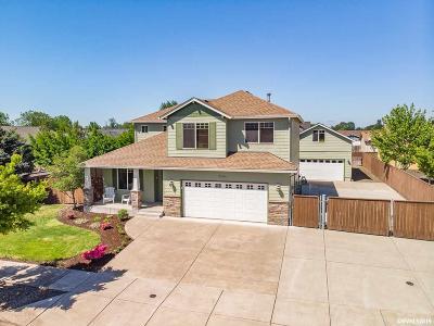 Albany Single Family Home For Sale: 6194 Rosemarie Av