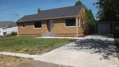Keizer Single Family Home For Sale: 4930 Wolf St