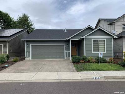 Keizer Single Family Home For Sale: 1059 Harbour Ln