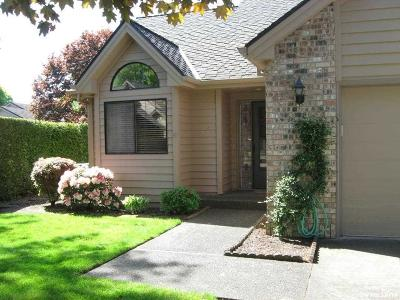 Keizer Condo/Townhouse Active Under Contract: 6111 Lakeshore Ct