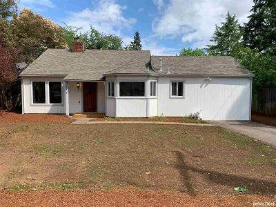Salem Single Family Home For Sale: 677 Browning Av