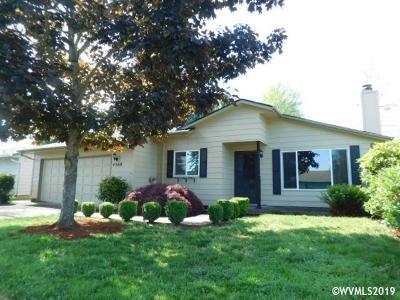 Salem Single Family Home For Sale: 4560 Lark Ct