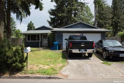 Woodburn Single Family Home For Sale: 228 Sycamore